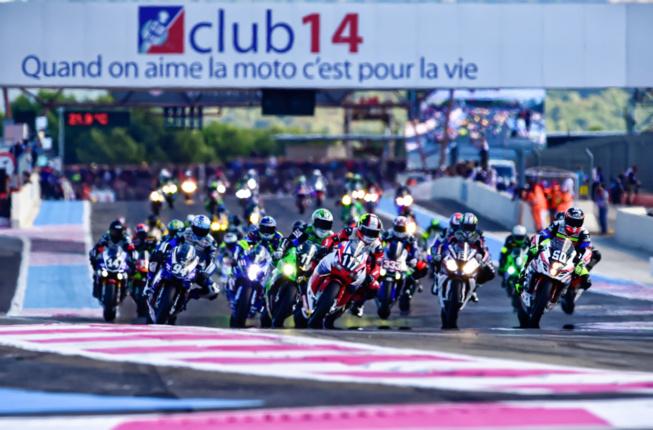 Le départ d'une formidable épreuve d'endurance moto (Photo A.Camblor - Racing Forever)