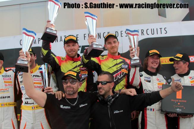 Avec Rodolphe Wallgren, Gaël Castelli est de retour sur la plus haute marche du podium