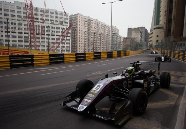 Joel Eriksson a signé la pole position