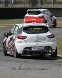 Clio Cup : TB2S, la chasse au podium à Nogaro