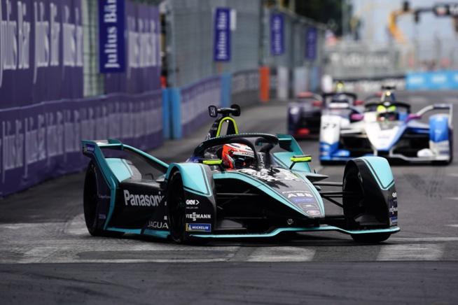 © Jaguar Racing