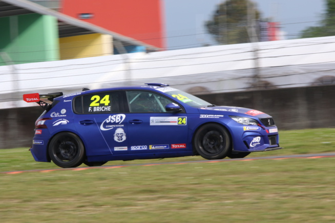 Julien Briché, référence de la 308 Racing Cup (Photo Stéphane Gauthier - Racingforever.com)