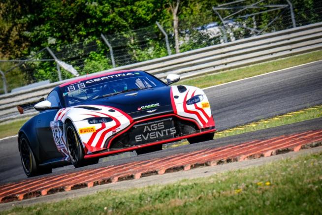 De belles Aston Martin à voir