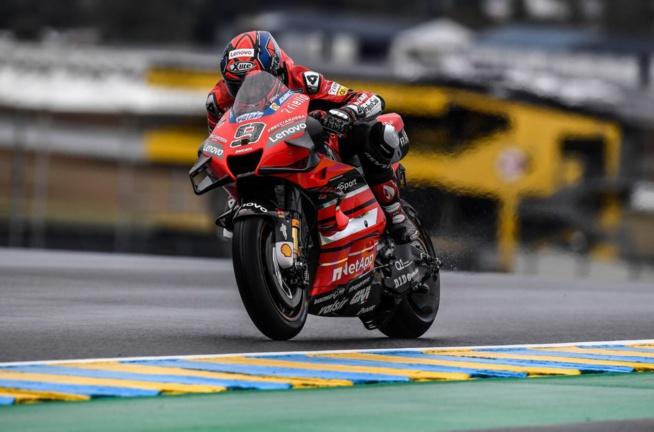 Danilo Petrucci a fait la course en tête sous la pluie (Photo Ducati)