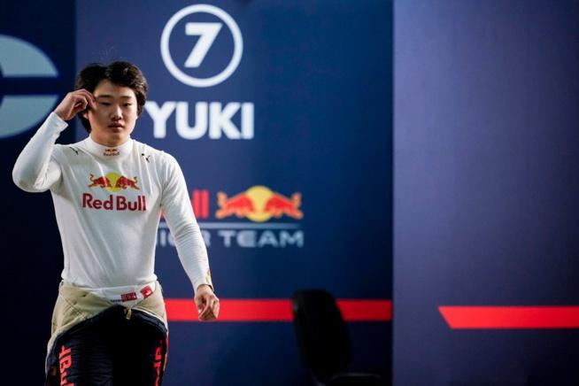 Avec la victoire, Tsunoda fait un pas de plus vers le baquet Alpha Tauri – © Carlin