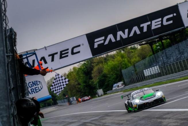 Une Porsche s'impose à Monza (Photo SRO)