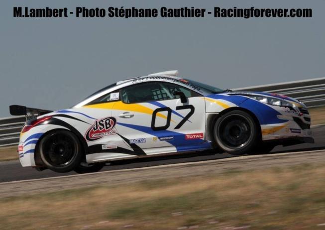 Peugeot RCZ Cup : Mathieu Lambert, un podium en hommage