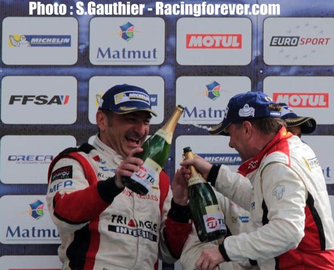Des podiums bien arrosés sur le podium du circuit Bugatti