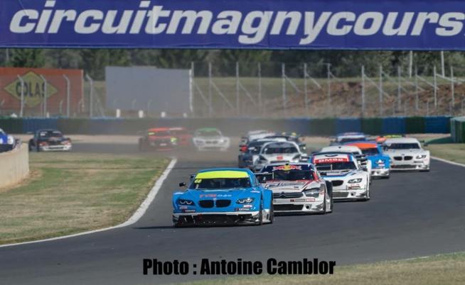 Courses animées en Supertourisme avec la présence de Sébastien Loeb.