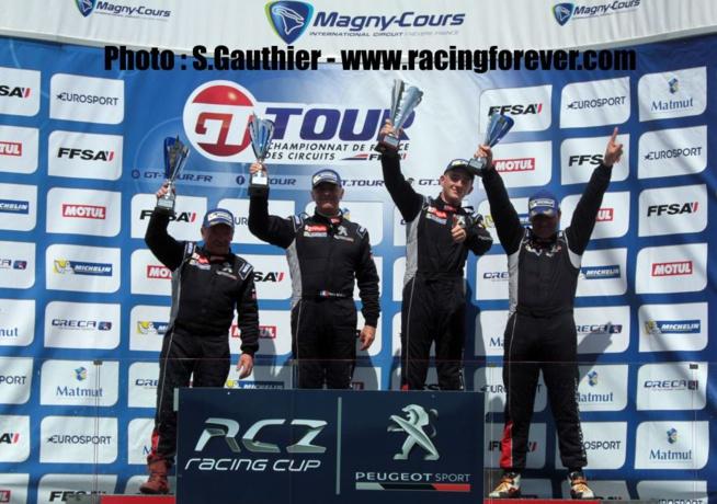Des coupes pour tous les champions avec Peugeot Sport