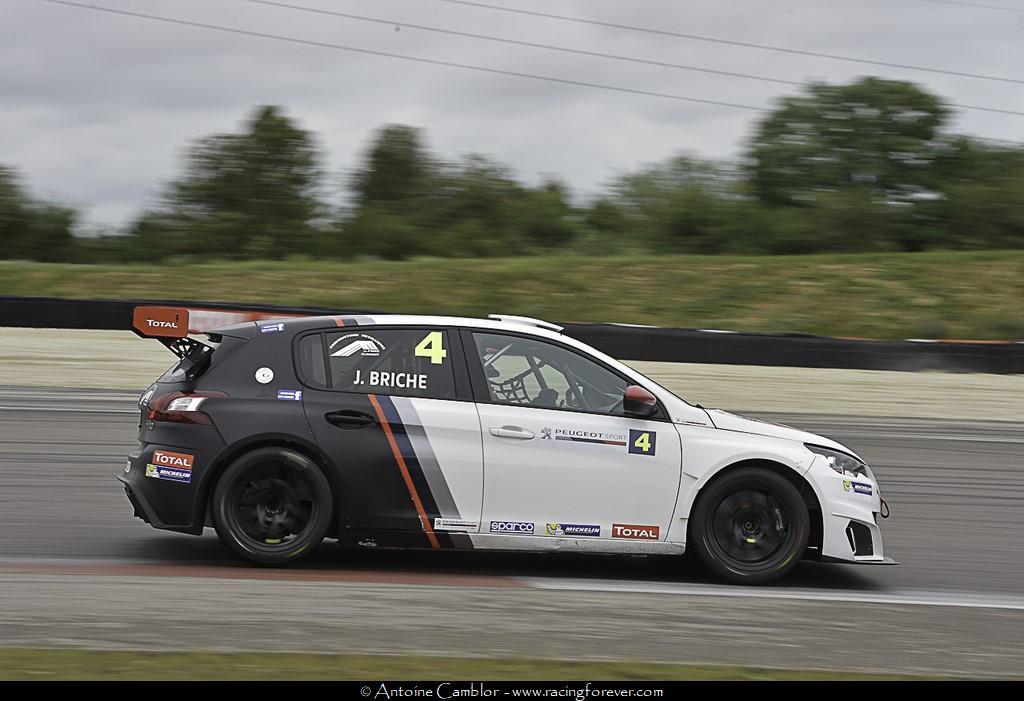 Julien Briché toujours leader de la 308 racing Cup