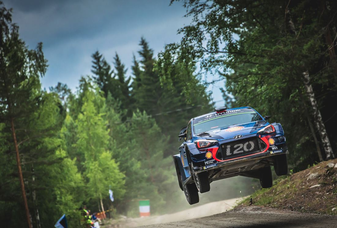 Thierry Neuville saute Ogier au classement général (Photo @World - Red Bull Content)