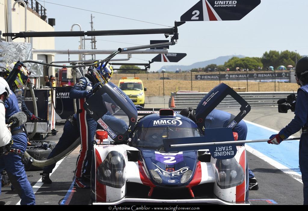 Le team United Autosports dans les stands