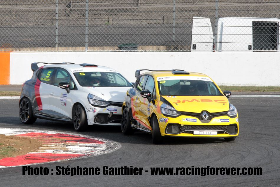 clio cup magny cours. Black Bedroom Furniture Sets. Home Design Ideas