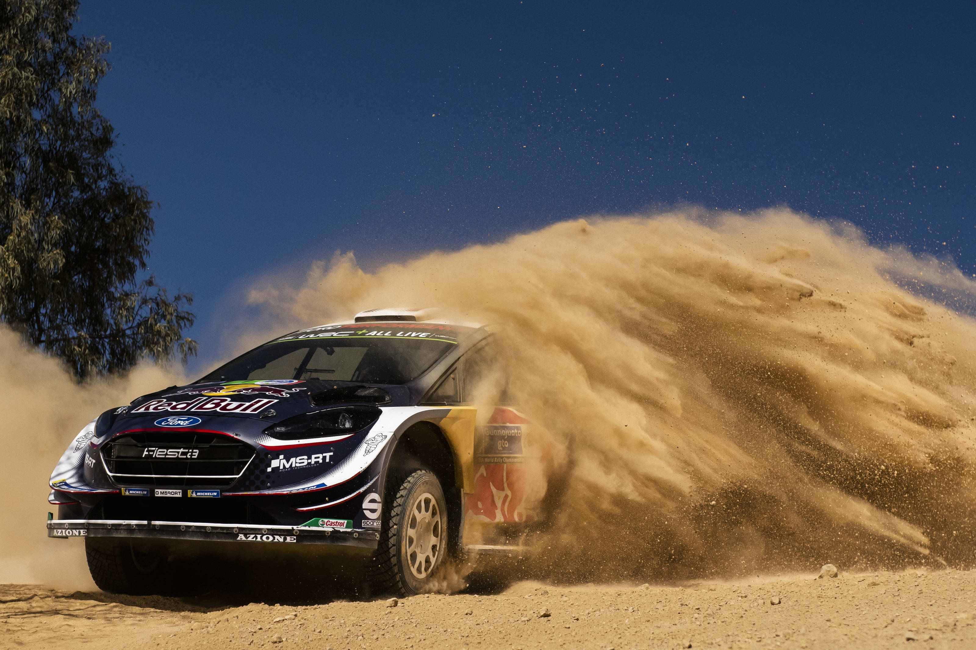 Ogier fait mordre la poussière à ses adversaires (Jaanus Ree/Red Bull Content Pool)
