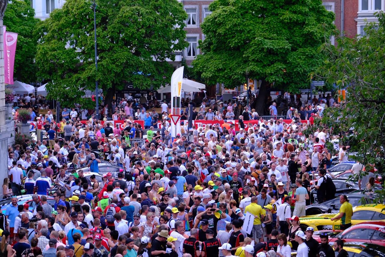 Du monde pour la parade en ville