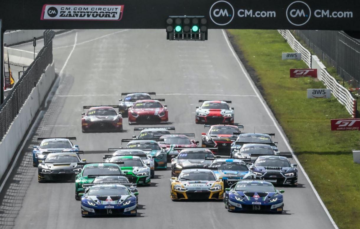 Le départ de la 2e course Sprint (Photo SRO)