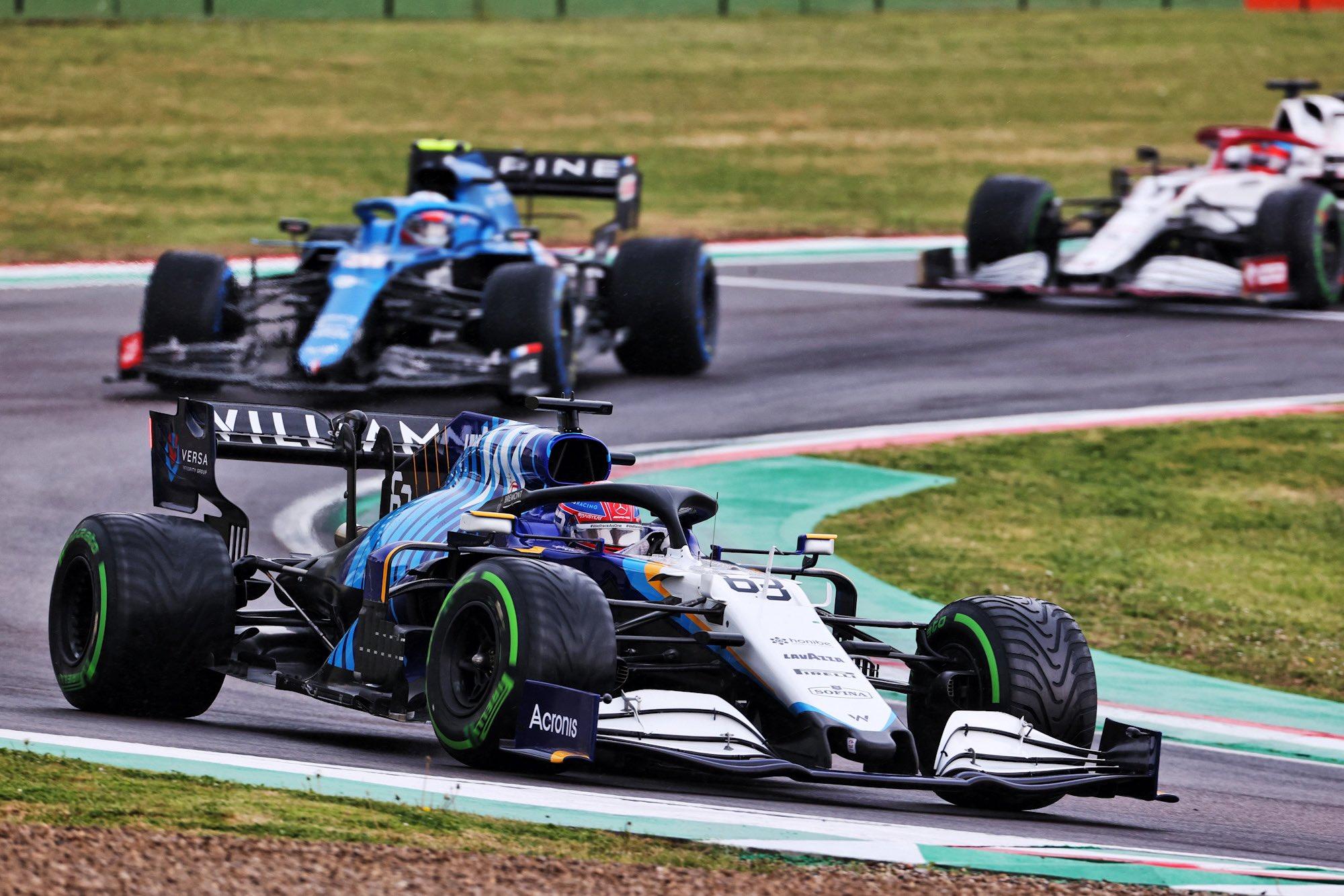 Russell impliqué dans un gros accident avec Bottas © Williams F1