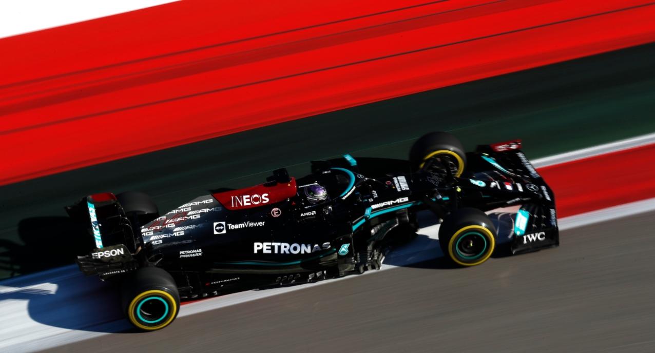 Et à la fin c'est Hamilton qui gagne © AMG Mercedes F1