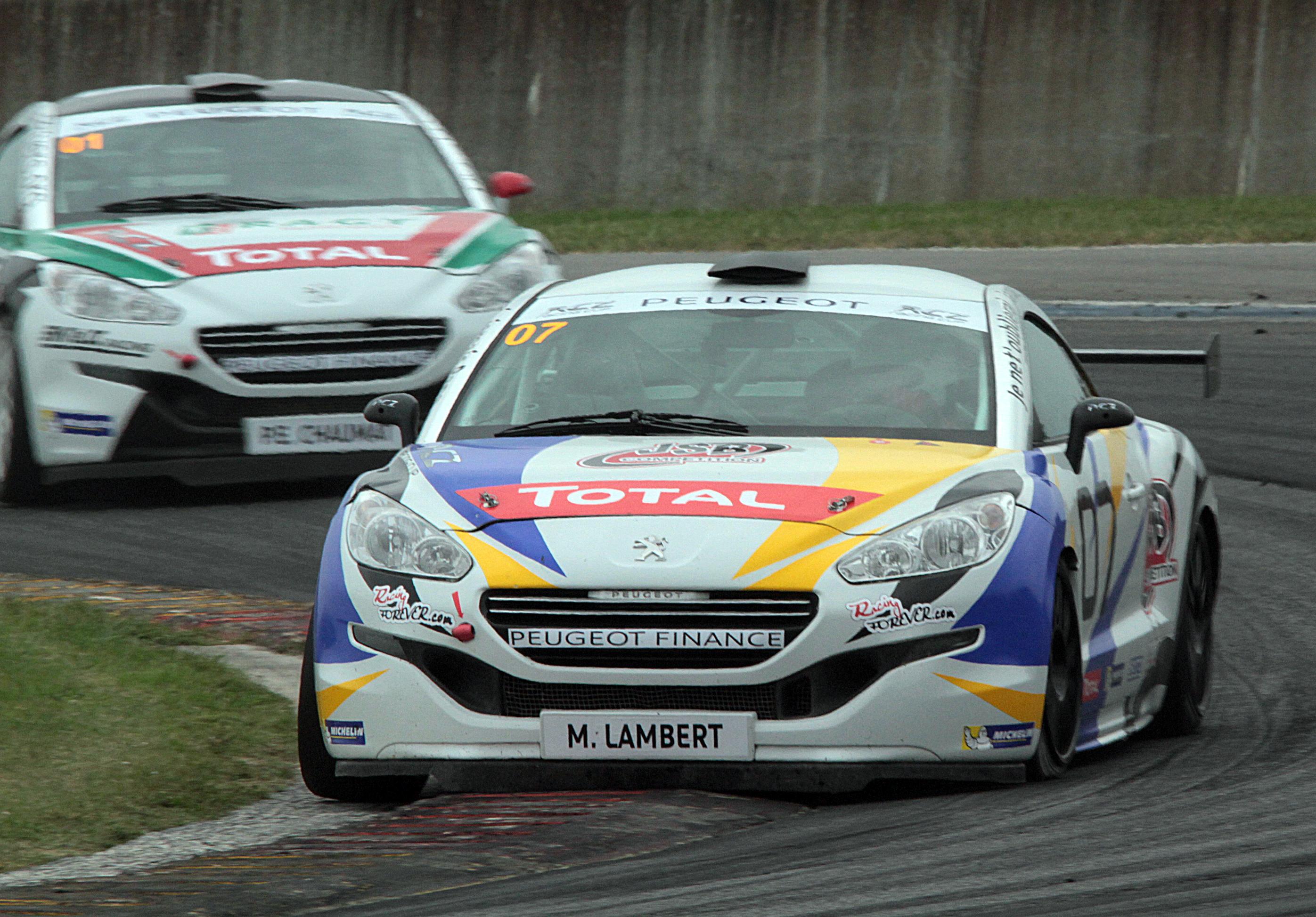 Mathieu à l'attaque dans la manche 3 (Photo S.Gauthier - Racingforever.com)
