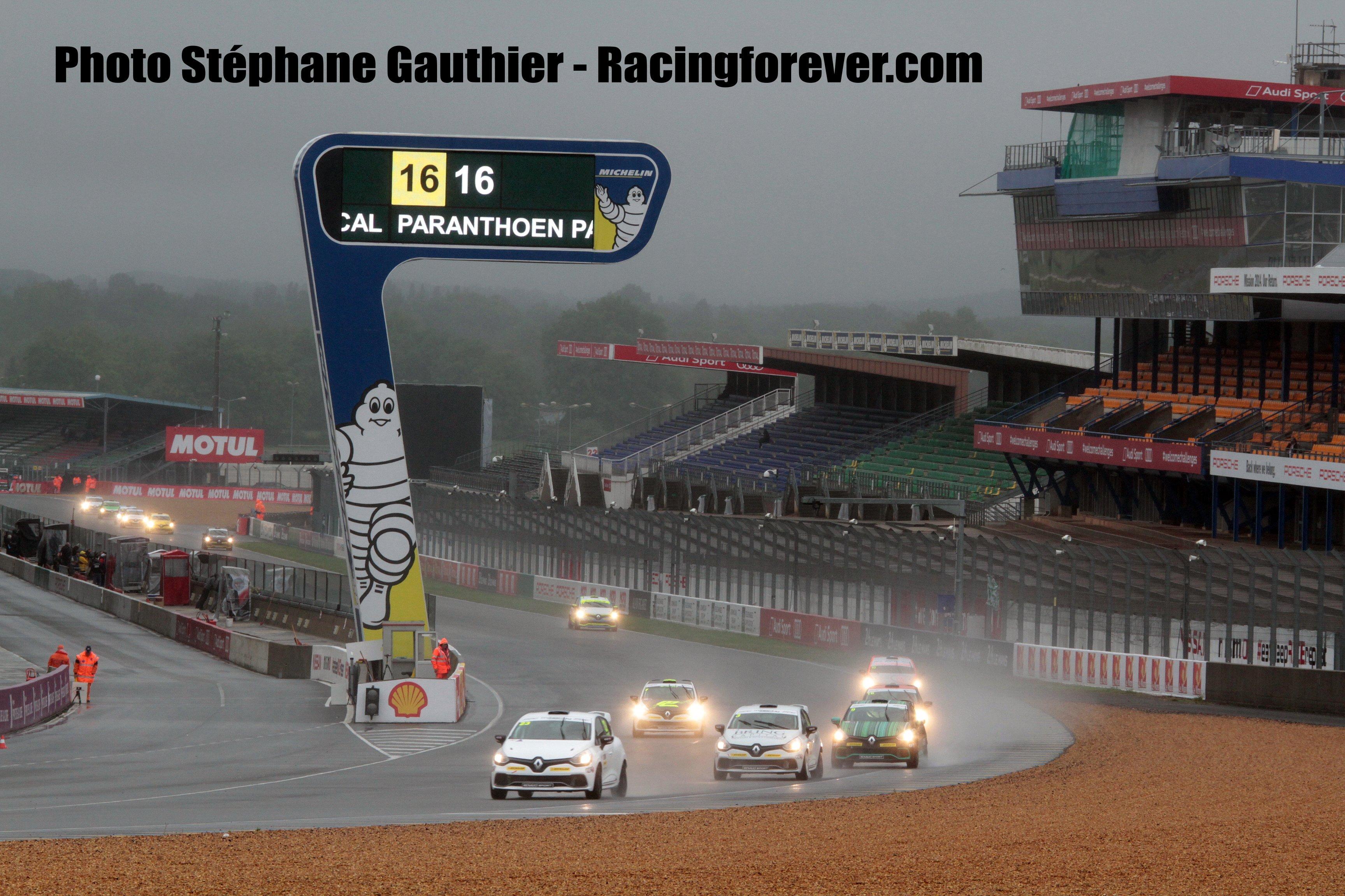 Un 1er mai bien pluvieux au Mans