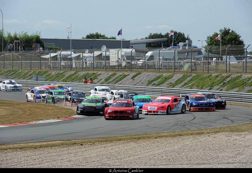 Avec beaucoup de concurrents les départs sont souvent mouvementés (Photo A.Camblor)