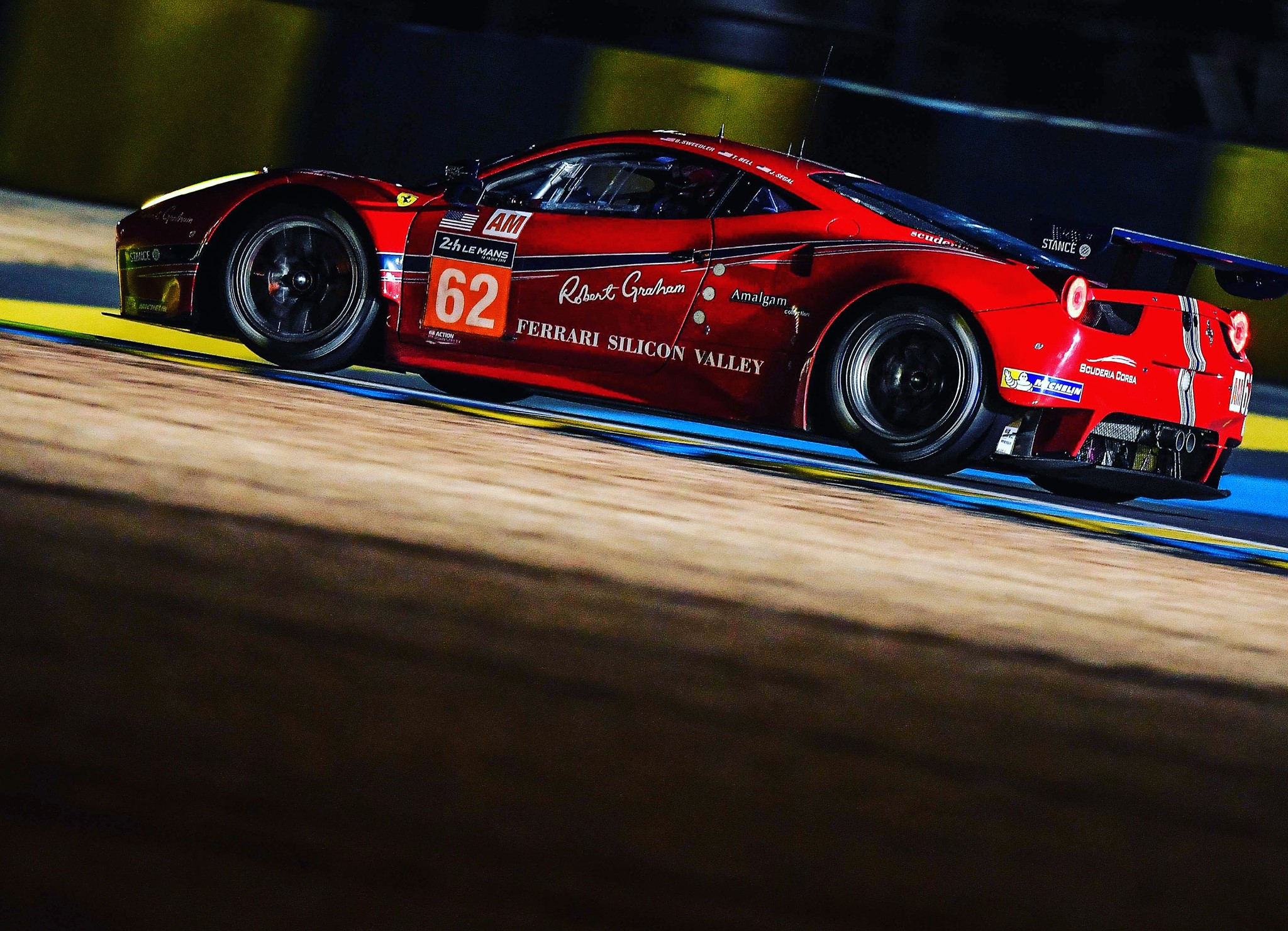 24h du Mans 2016 : Au petit matin, Toyota défie toujours Porsche