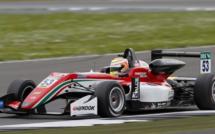 F3 : Silverstone, course 3 - Victoire de Ilott