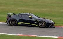 GT : Jérémie Lesoudier sur Aston Martin en Adac GT4