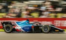 FIA F2 : Silverstone, course 3, victoire de Zhou