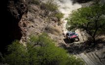 Dakar 2016 : Peugeot domine la première semaine mais plus Loeb